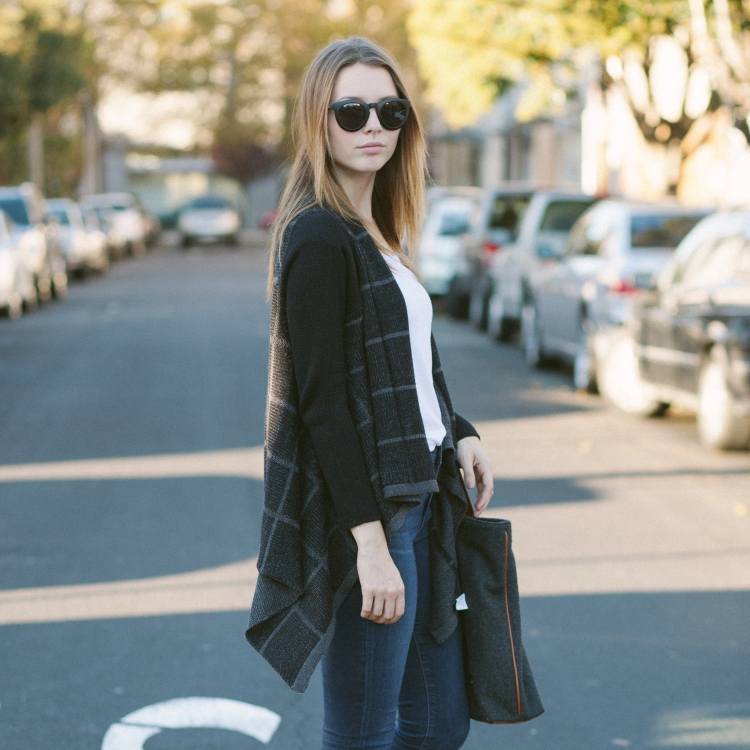Casual Cool Work Outfit Ideas from LE TOTE gray layered cardigan