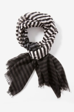 https://www.letote.com/accessories/3650-stripe-ombre-scarf