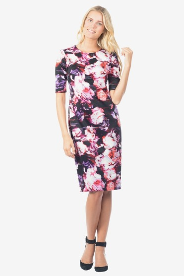 https://www.letote.com/clothing/4065-floral-3-4-sleeve-dress