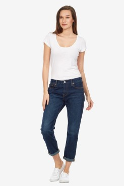 https://www.letote.com/clothing/4573-classic-boyfriend-jeans
