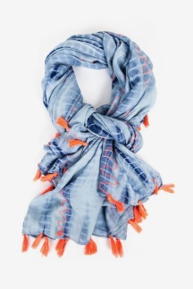https://letote.com/accessories/4596-blue-tie-dye-scarf i