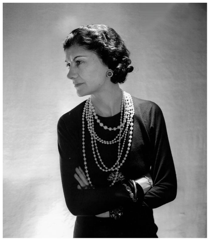 coco-chanel-pearls-1